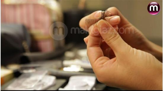Τοποθέτηση και Αφαίρεση Ψεύτικων Βλεφαρίδων